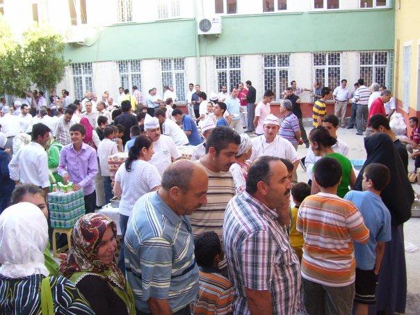 Mersin İheş 3. geleneksel pilav günü haberi 5